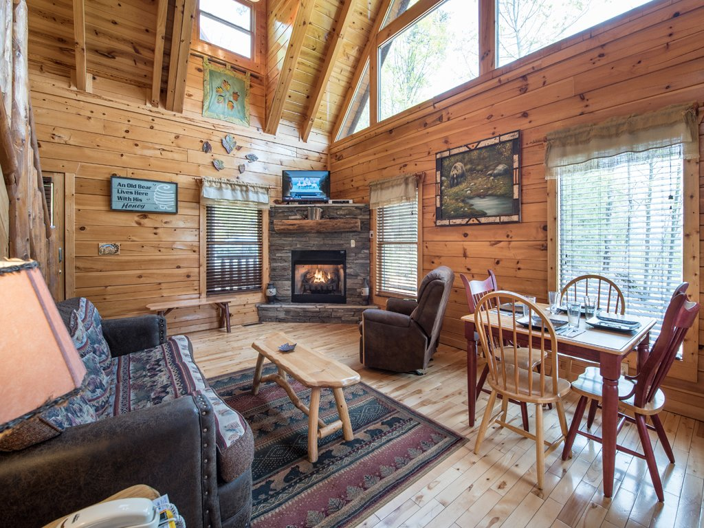 Photo of a Gatlinburg Cabin named View Catcher - This is the first photo in the set.