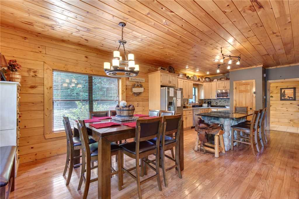 Photo of a Sevierville Cabin named Stonebrook Lodge - This is the sixth photo in the set.