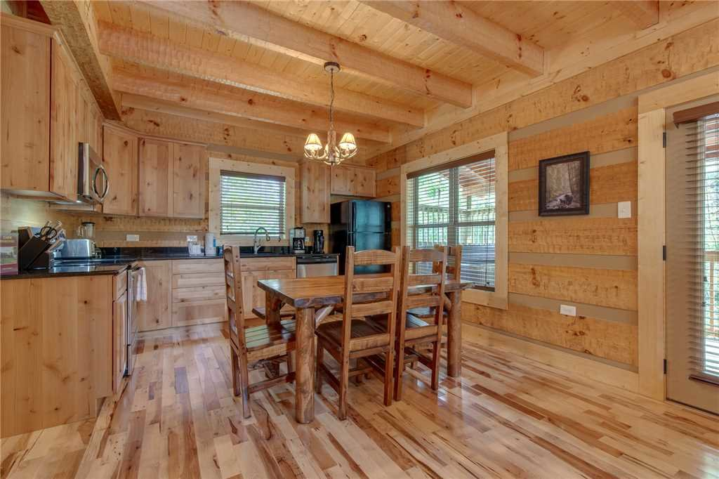 Photo of a Gatlinburg Cabin named Lovers' Hideaway - This is the seventh photo in the set.