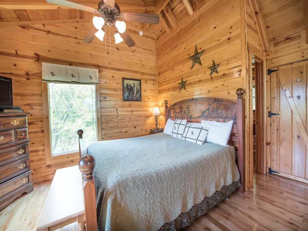 Photo of a Gatlinburg Cabin named View Catcher - This is the fifteenth photo in the set.