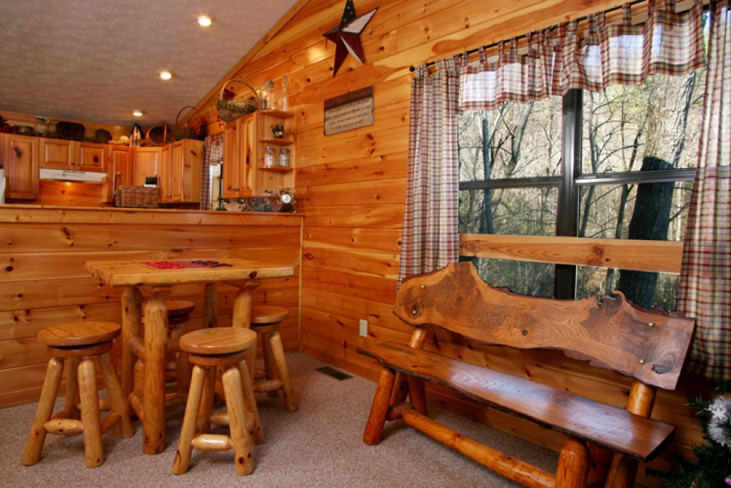 Photo of a Gatlinburg Cabin named High Times - This is the eighth photo in the set.