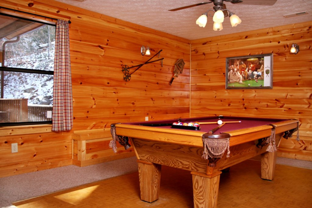 Photo of a Gatlinburg Cabin named High Times - This is the twelfth photo in the set.