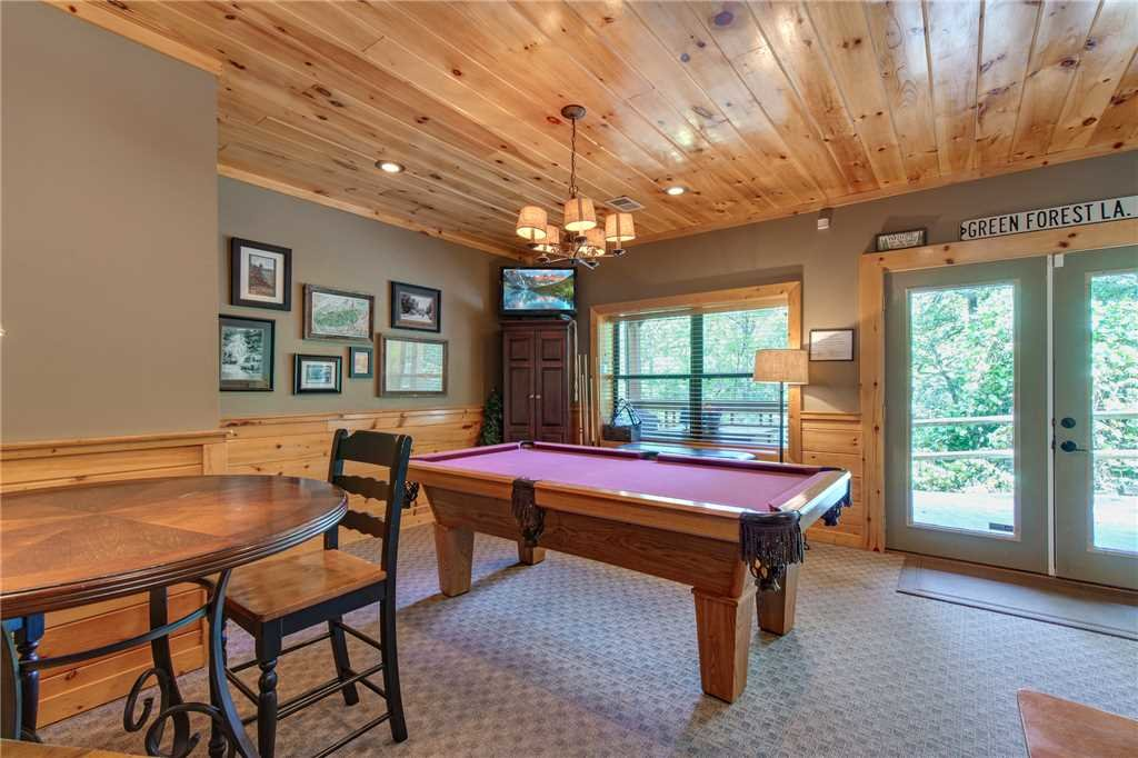 Photo of a Sevierville Cabin named Stonebrook Lodge - This is the eleventh photo in the set.