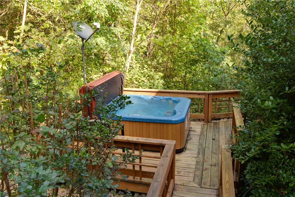 Photo of a Sevierville Cabin named Stonebrook Lodge - This is the thirty-first photo in the set.