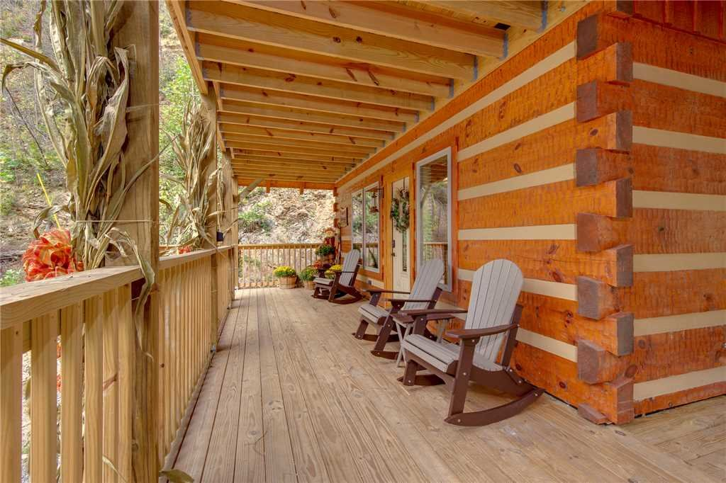 Photo of a Gatlinburg Cabin named Lovers' Hideaway - This is the twenty-first photo in the set.