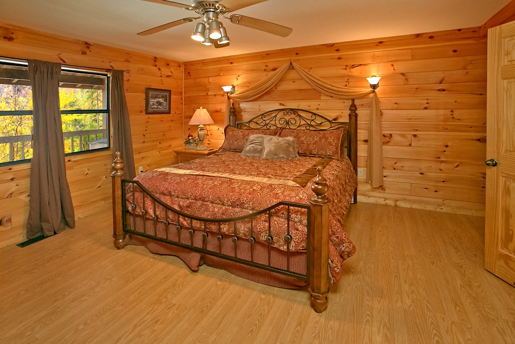 Photo of a Gatlinburg Cabin named Hawks Ridge - This is the twelfth photo in the set.