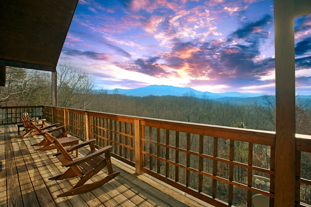 Photo of a Gatlinburg Cabin named Hawks Ridge - This is the first photo in the set.