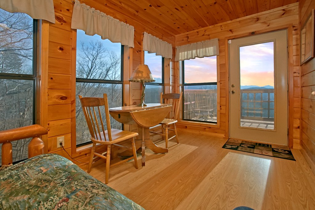 Photo of a Gatlinburg Cabin named Hawks Ridge - This is the eighth photo in the set.