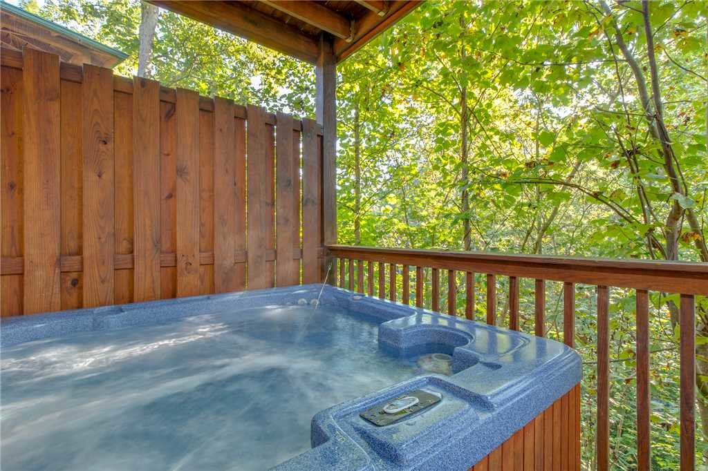 Photo of a Gatlinburg Cabin named Mountain Dreams - This is the second photo in the set.
