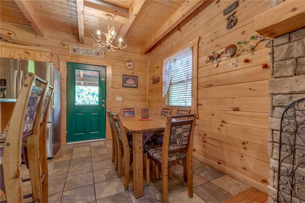 Photo of a Gatlinburg Cabin named Mountain Dreams - This is the ninth photo in the set.