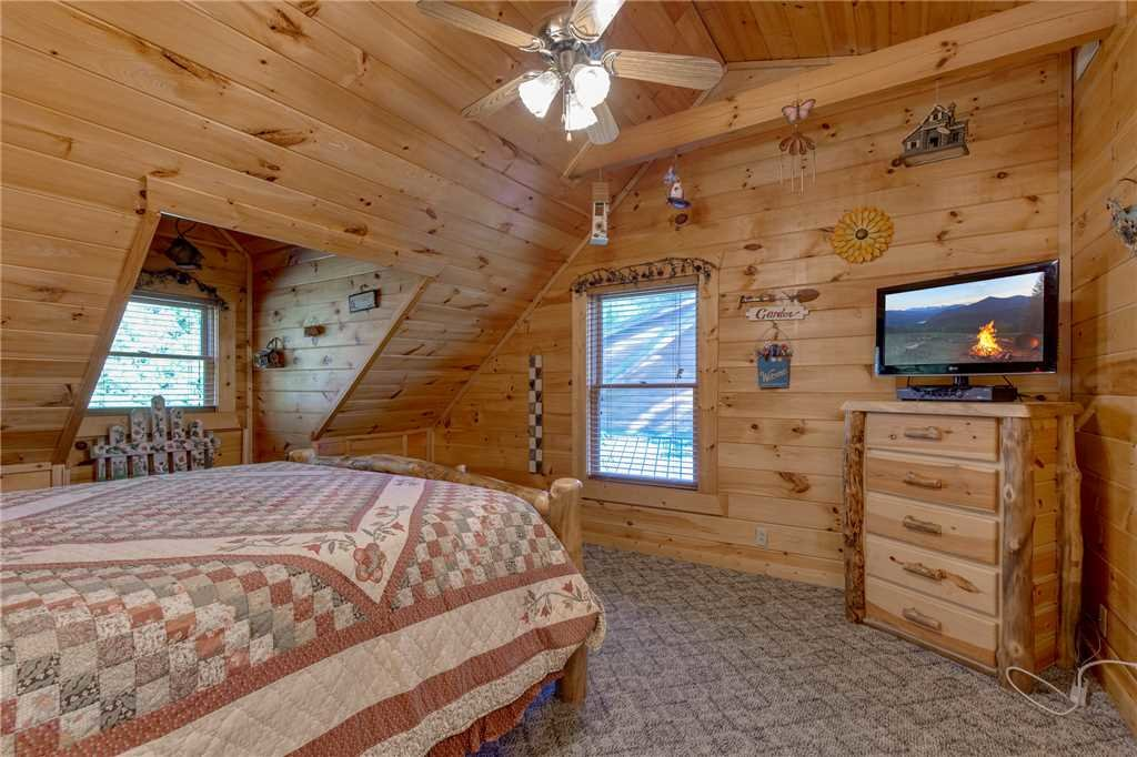 Photo of a Gatlinburg Cabin named Mountain Dreams - This is the seventeenth photo in the set.