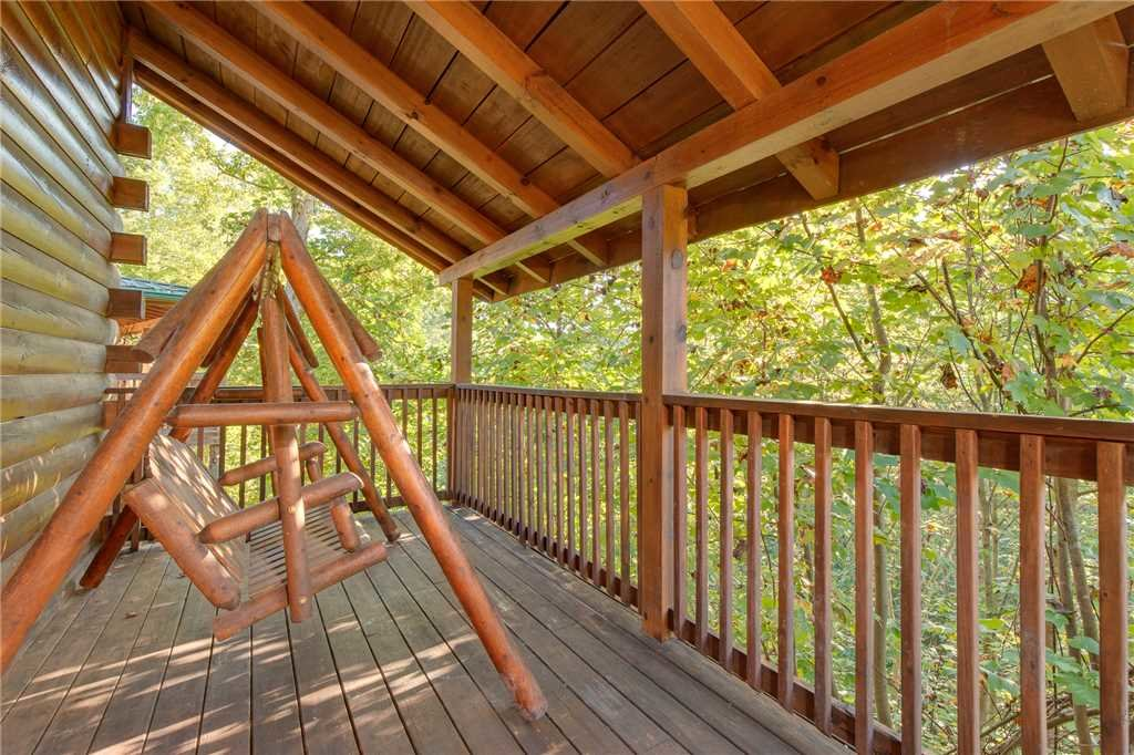 Photo of a Gatlinburg Cabin named Mountain Dreams - This is the twenty-eighth photo in the set.