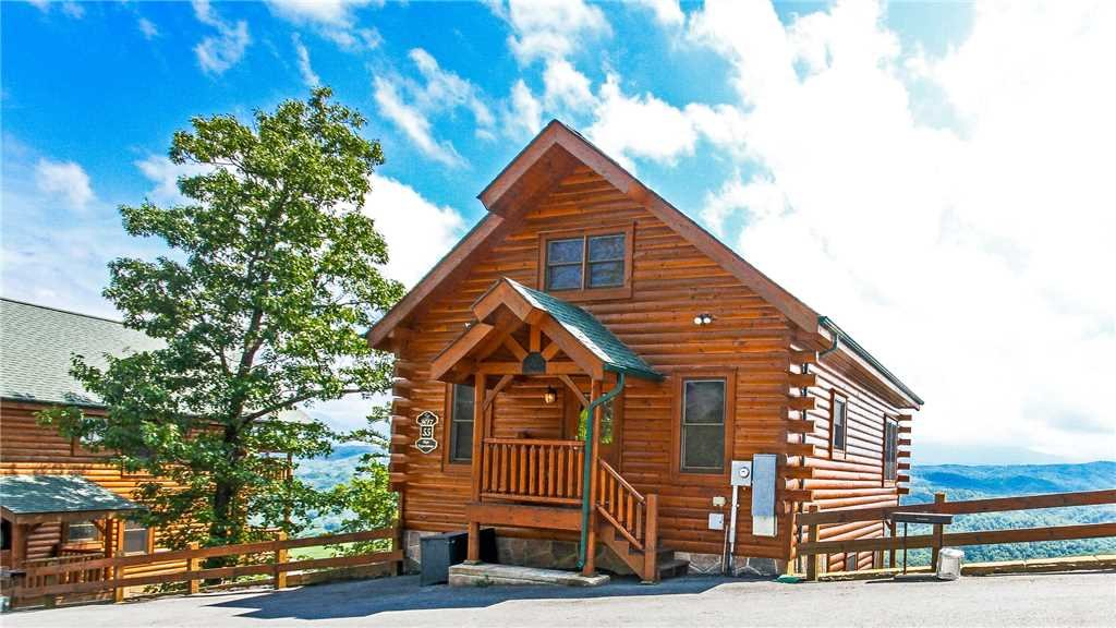Photo of a Pigeon Forge Cabin named High Expectations - This is the first photo in the set.