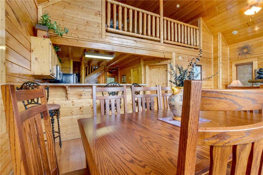 Photo of a Pigeon Forge Cabin named High Expectations - This is the fourteenth photo in the set.