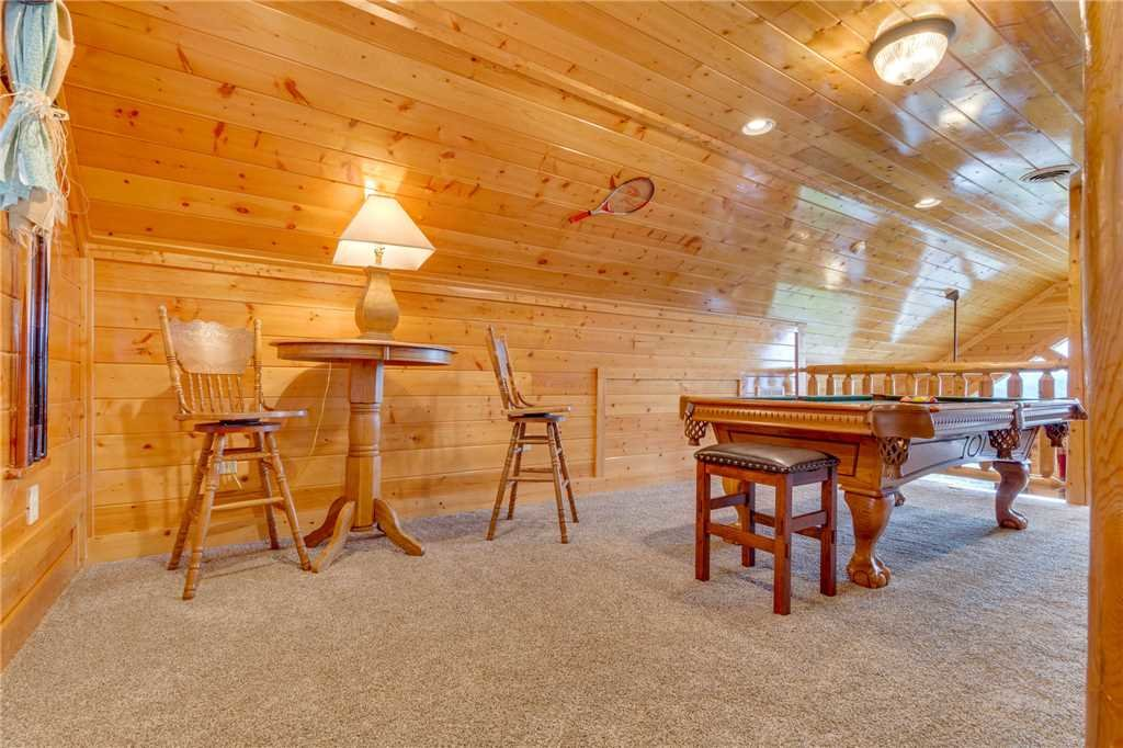 Photo of a Pigeon Forge Cabin named High Expectations - This is the twenty-third photo in the set.