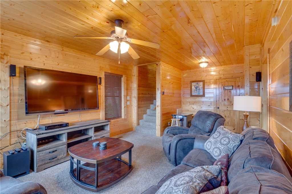 Photo of a Pigeon Forge Cabin named High Expectations - This is the thirtieth photo in the set.