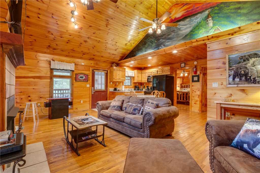 Photo of a Pigeon Forge Cabin named Tranquility - This is the fifth photo in the set.