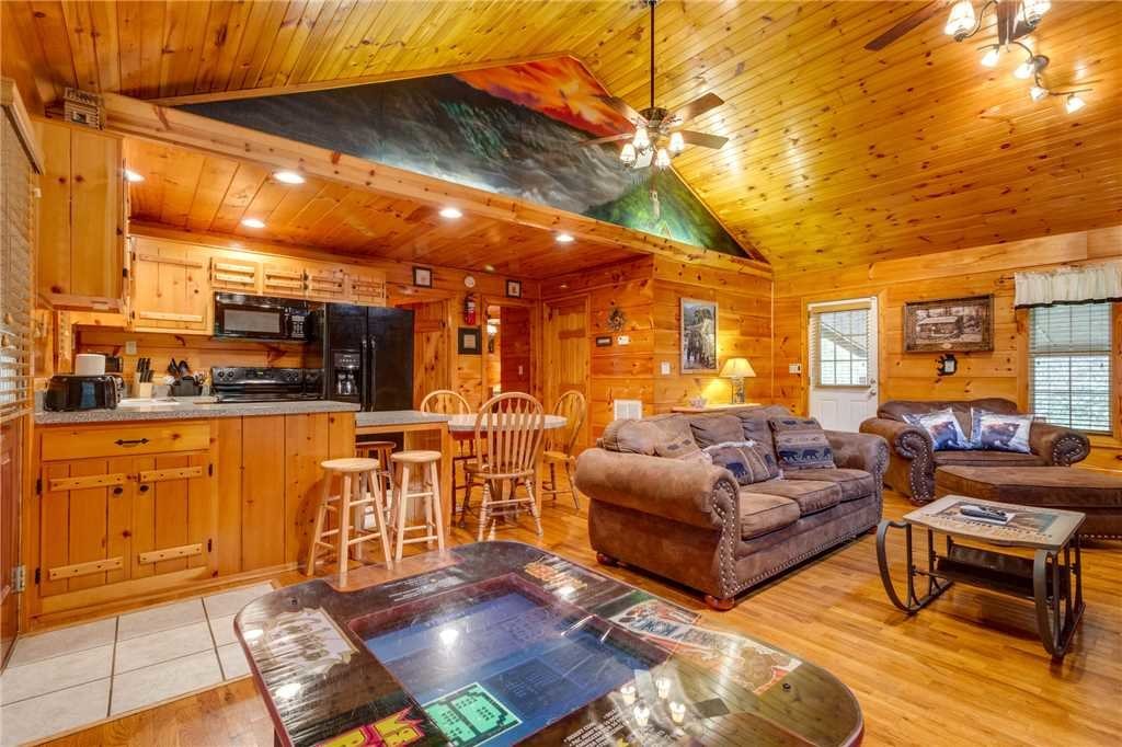Photo of a Pigeon Forge Cabin named Tranquility - This is the sixth photo in the set.