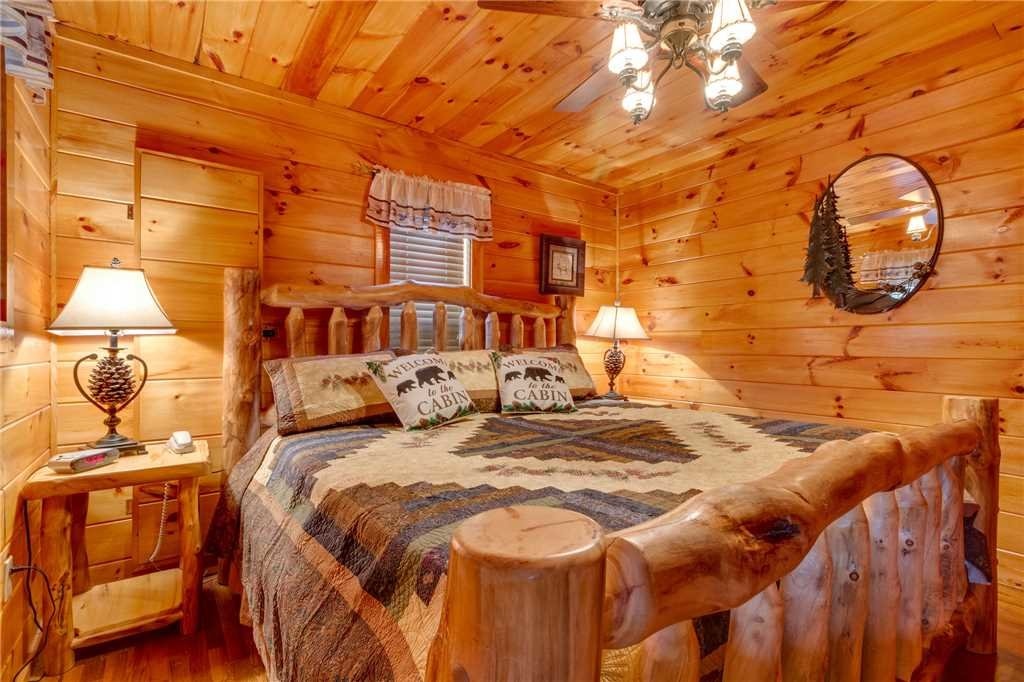 Photo of a Pigeon Forge Cabin named Tranquility - This is the twenty-first photo in the set.