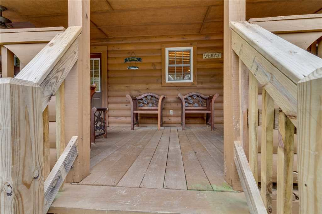 Photo of a Pigeon Forge Cabin named Tranquility - This is the thirty-third photo in the set.