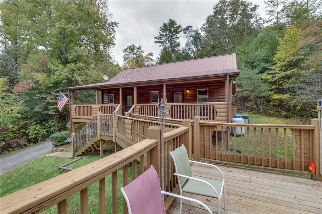 Photo of a Pigeon Forge Cabin named Tranquility - This is the thirty-fourth photo in the set.