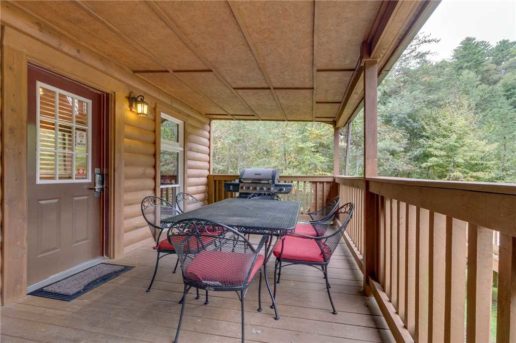 Photo of a Pigeon Forge Cabin named Tranquility - This is the thirty-first photo in the set.