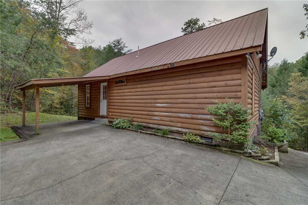 Photo of a Pigeon Forge Cabin named Tranquility - This is the forty-first photo in the set.