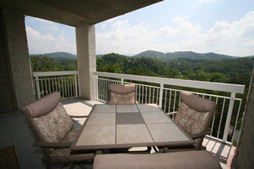 Photo of a Pigeon Forge Condo named Whispering Pines 642 - This is the eleventh photo in the set.