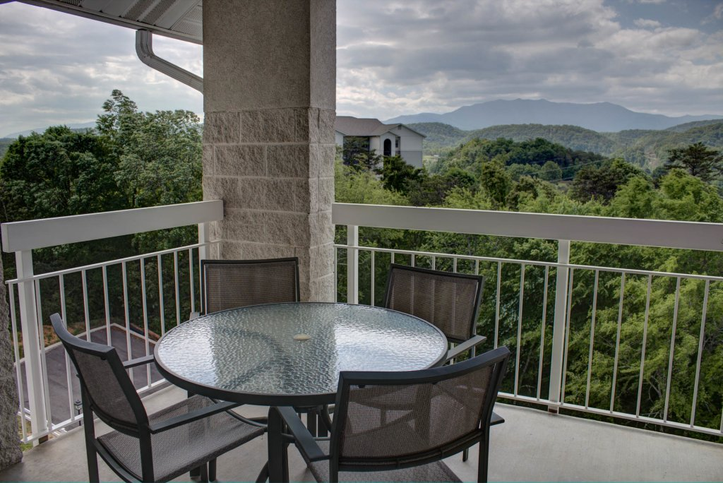 Photo of a Pigeon Forge Condo named Whispering Pines 452 - This is the twenty-fourth photo in the set.