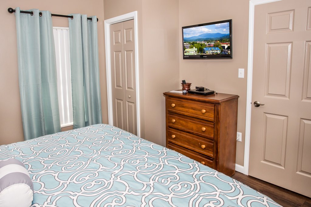 Photo of a Pigeon Forge Condo named Whispering Pines 221 - This is the second photo in the set.