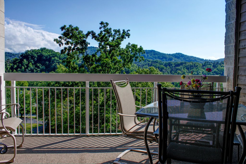 Photo of a Pigeon Forge Condo named Whispering Pines 533 - This is the twenty-fourth photo in the set.