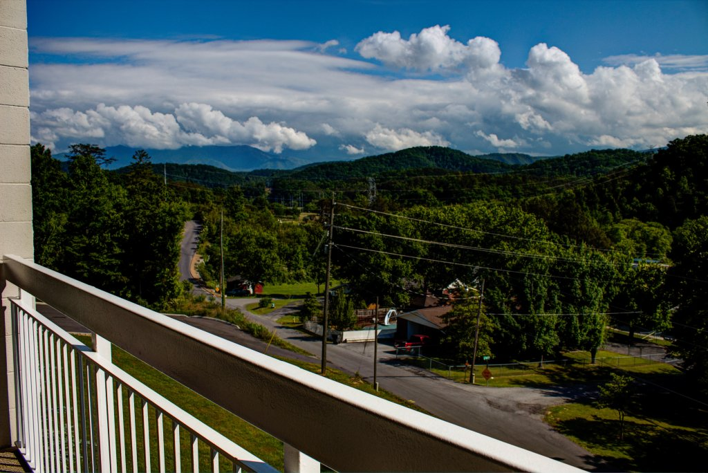 Photo of a Pigeon Forge Condo named Whispering Pines 533 - This is the twenty-second photo in the set.