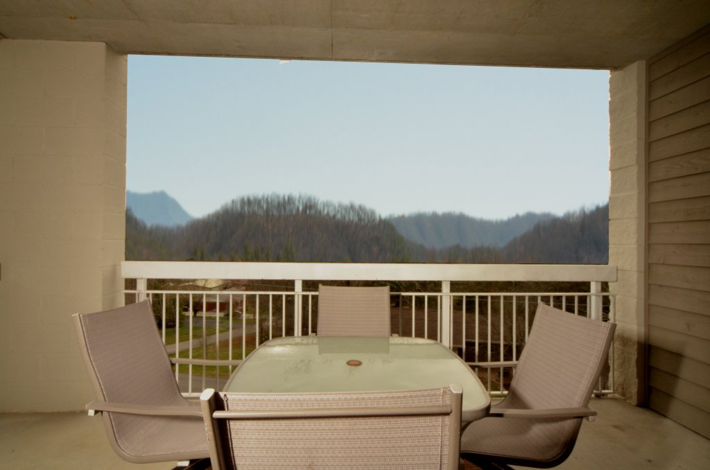 Photo of a Pigeon Forge Condo named Whispering Pines 523 - This is the fourteenth photo in the set.