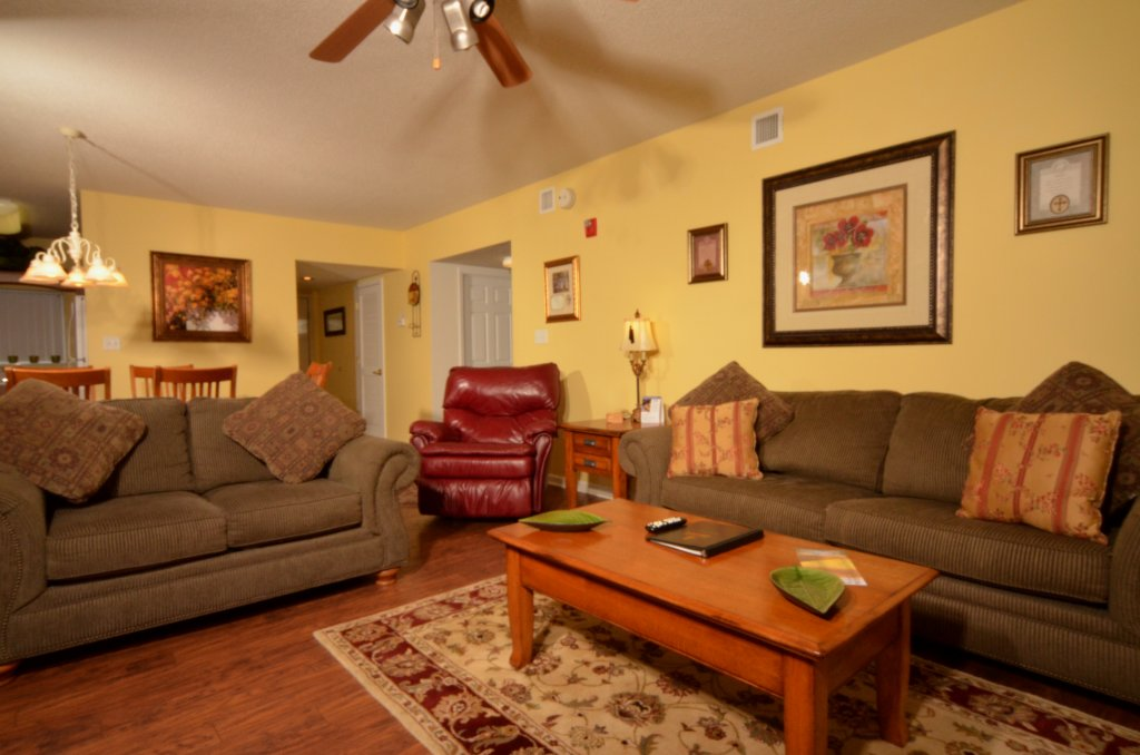 Photo of a Pigeon Forge Condo named Whispering Pines 523 - This is the second photo in the set.