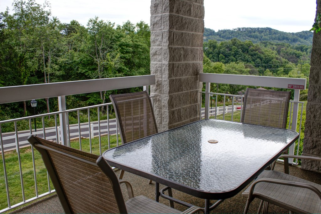 Photo of a Pigeon Forge Condo named Whispering Pines 324 - This is the fiftieth photo in the set.