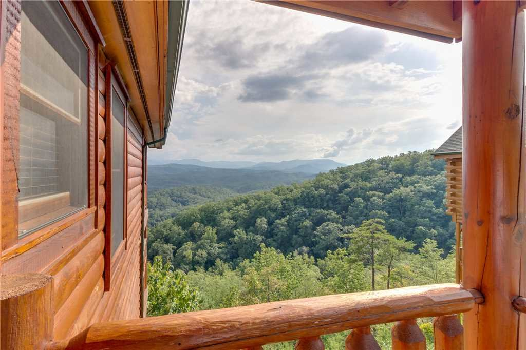 Photo of a Pigeon Forge Cabin named Breathtaking View - This is the forty-eighth photo in the set.