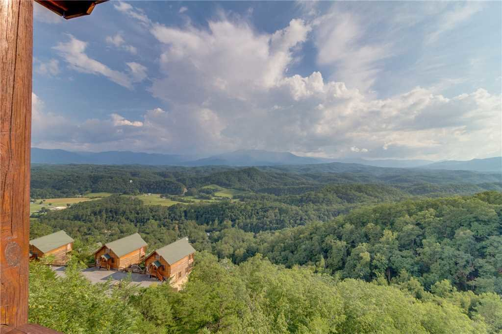 Photo of a Pigeon Forge Cabin named Breathtaking View - This is the twenty-sixth photo in the set.