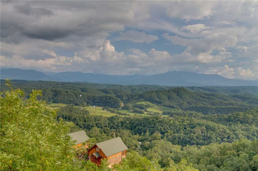 Photo of a Pigeon Forge Cabin named Breathtaking View - This is the fiftieth photo in the set.