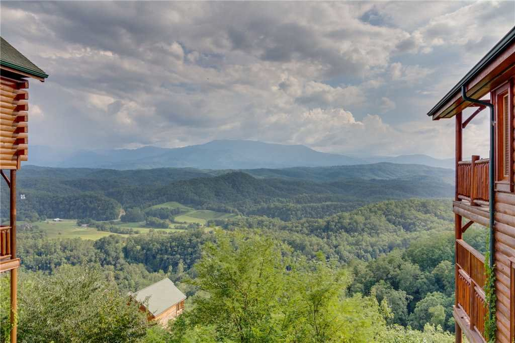Photo of a Pigeon Forge Cabin named Breathtaking View - This is the fifty-first photo in the set.