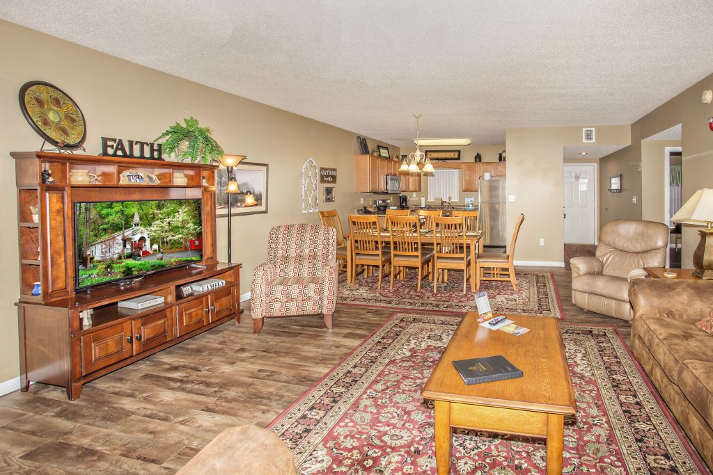 Photo of a Pigeon Forge Condo named Whispering Pines 624 - This is the second photo in the set.