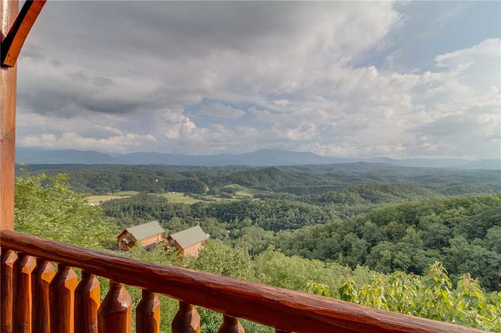 Photo of a Pigeon Forge Cabin named Breathtaking View - This is the forty-seventh photo in the set.