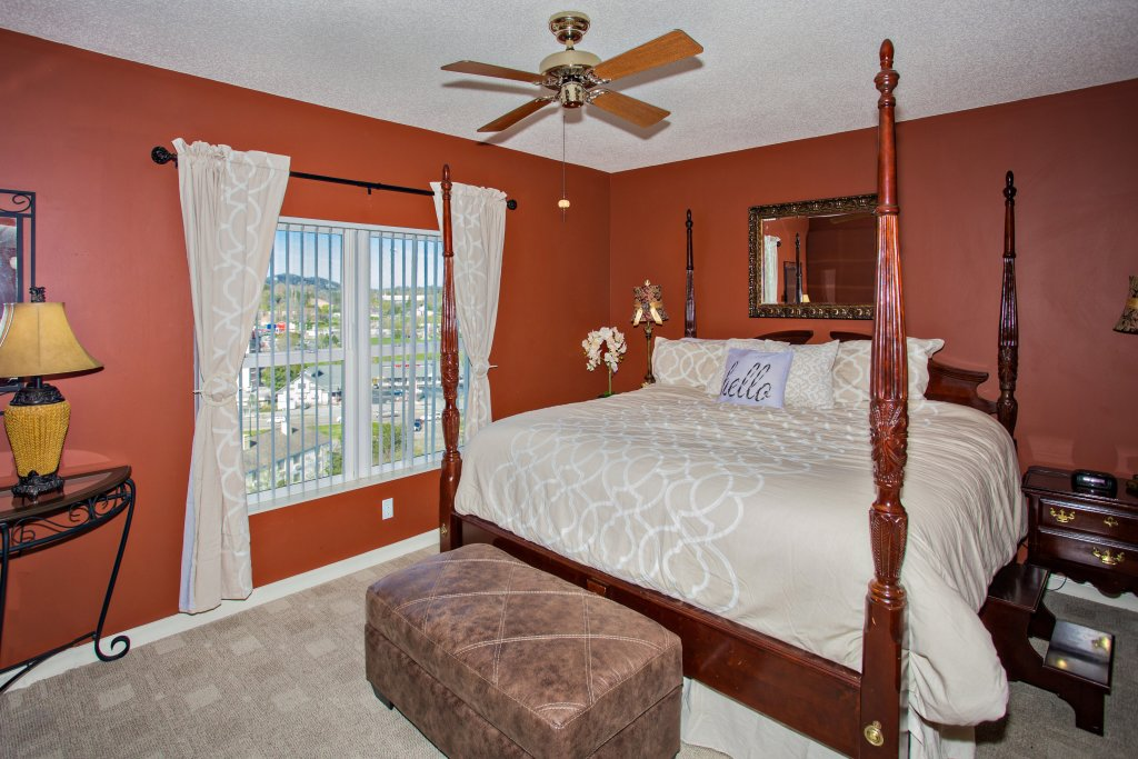 Photo of a Pigeon Forge Condo named Whispering Pines 223 - This is the fourth photo in the set.