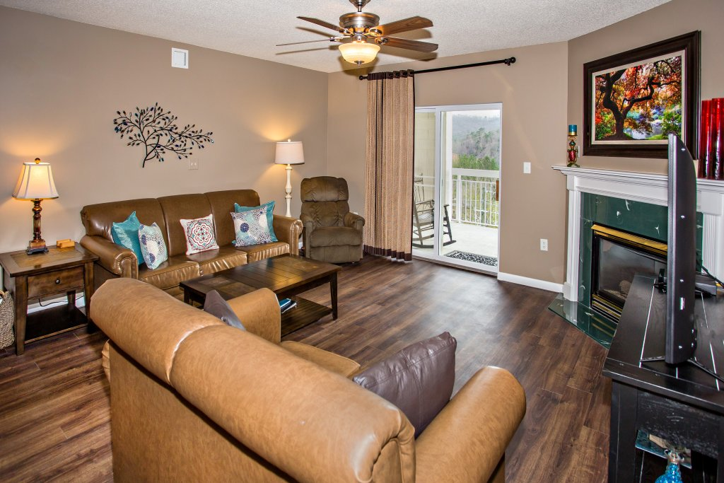 Photo of a Pigeon Forge Condo named Whispering Pines 541 - This is the second photo in the set.