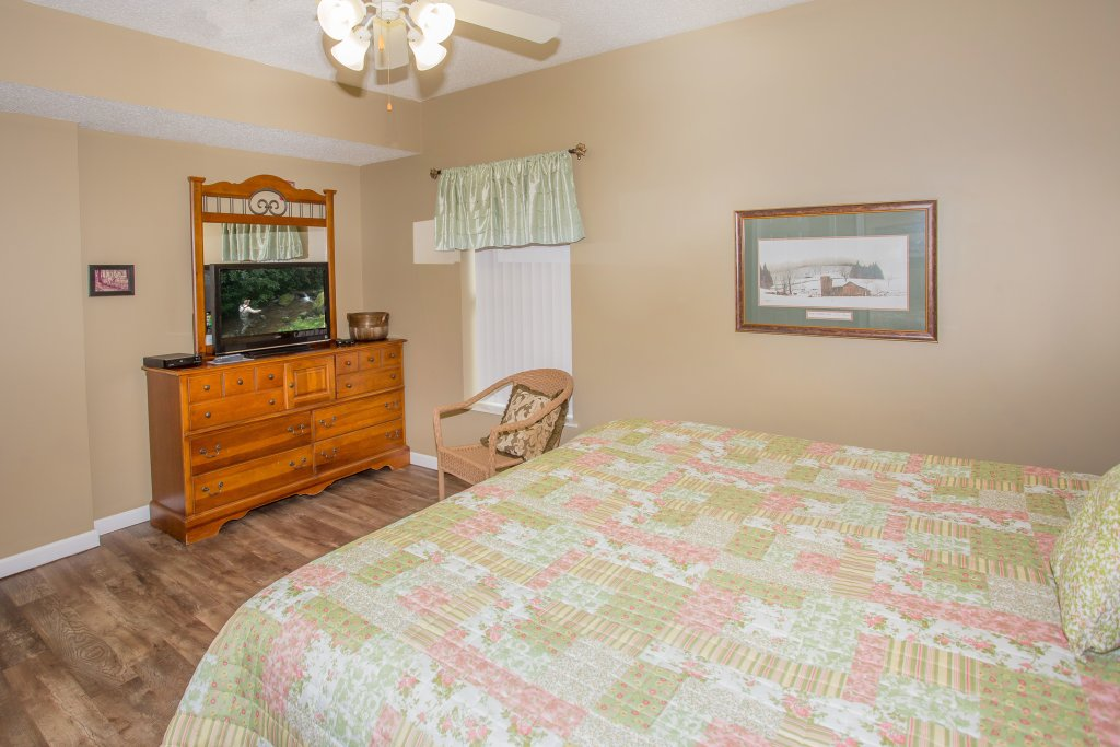 Photo of a Pigeon Forge Condo named Whispering Pines 624 - This is the ninth photo in the set.