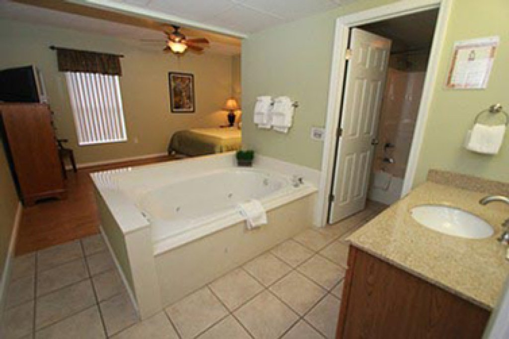 Photo of a Pigeon Forge Condo named Whispering Pines 644 - This is the fourth photo in the set.