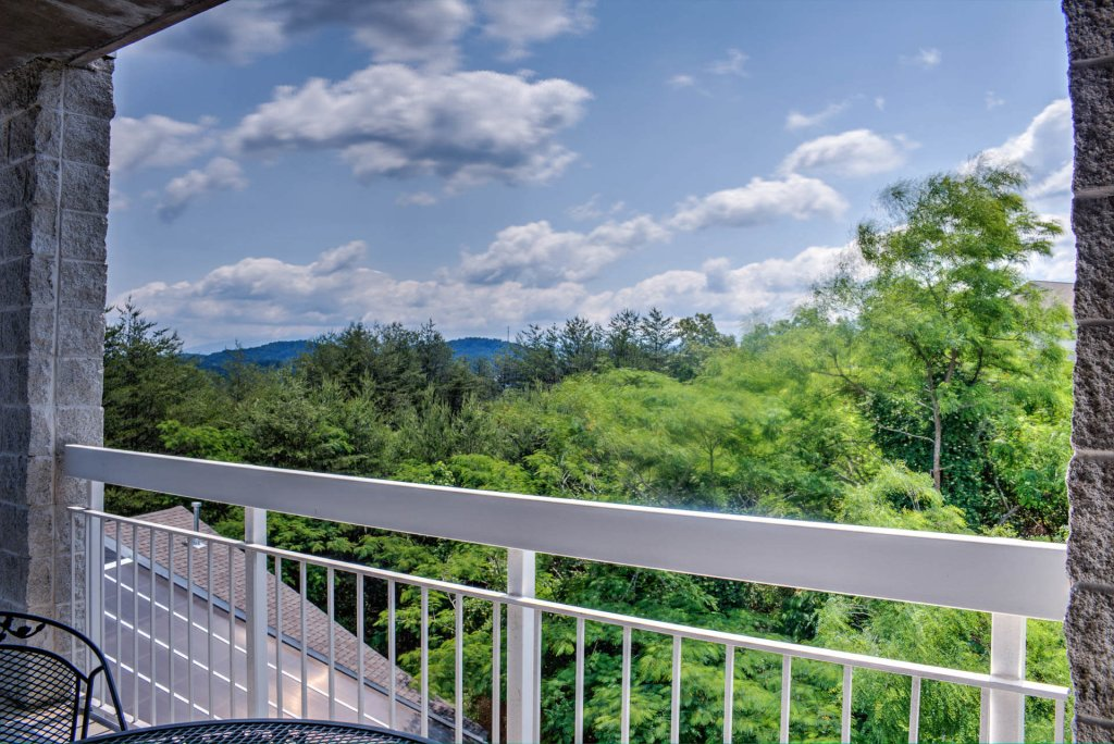 Photo of a Pigeon Forge Condo named Whispering Pines 341 - This is the forty-fifth photo in the set.