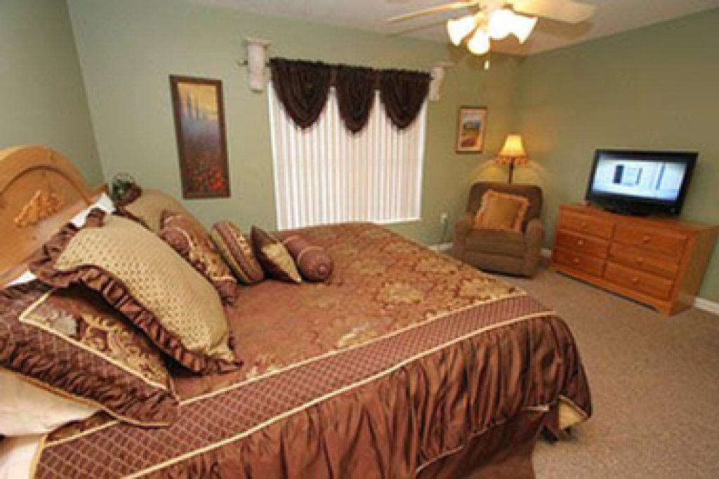 Photo of a Pigeon Forge Condo named Whispering Pines 252 - This is the fourth photo in the set.