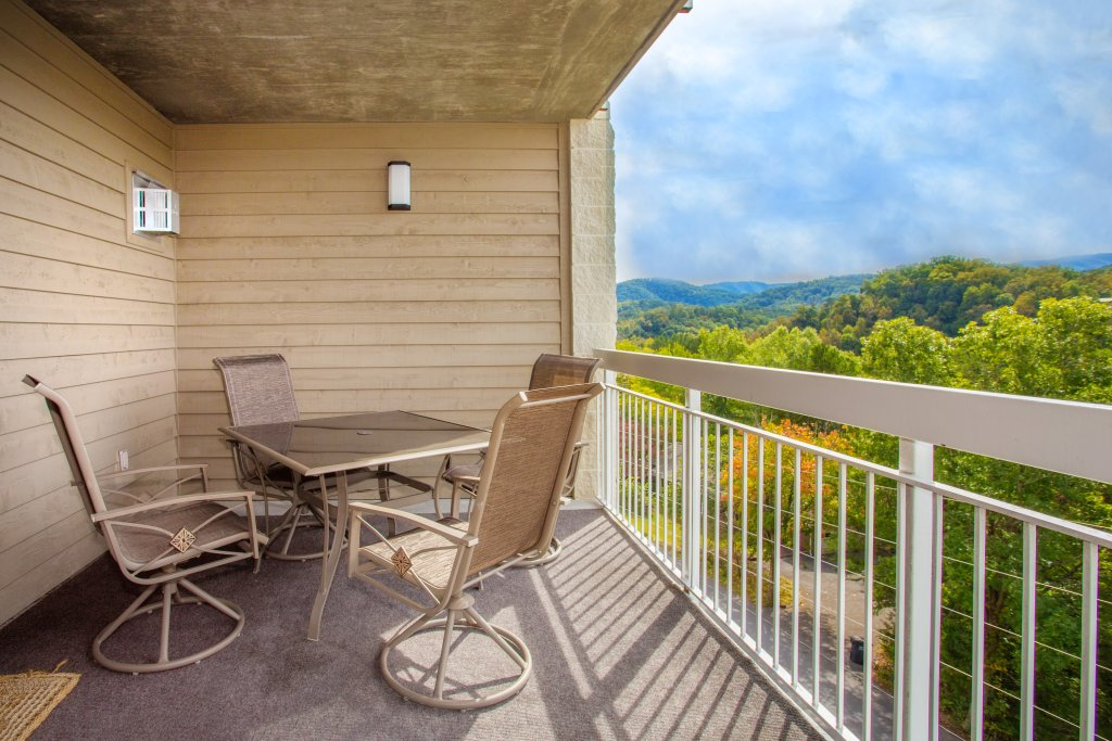 Photo of a Pigeon Forge Condo named Whispering Pines 643 - This is the fifteenth photo in the set.