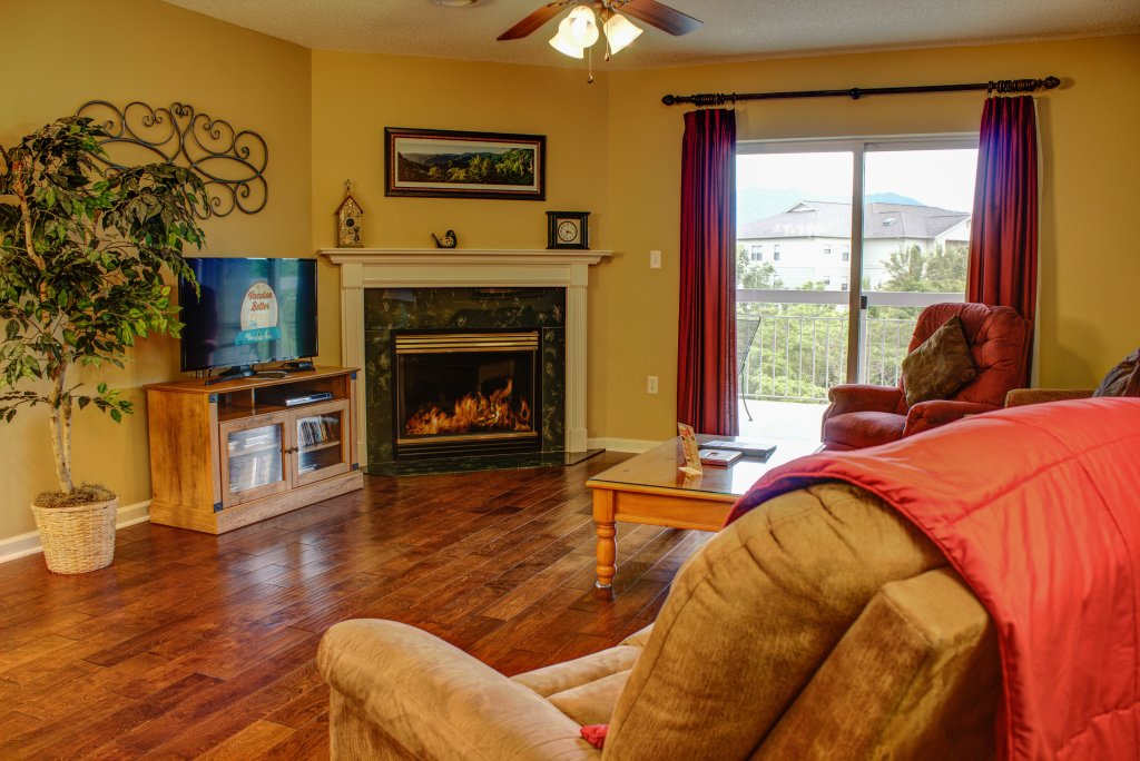 Photo of a Pigeon Forge Condo named Whispering Pines 352hc - This is the first photo in the set.