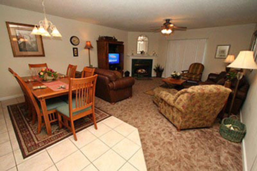 Photo of a Pigeon Forge Condo named Whispering Pines 514 - This is the third photo in the set.
